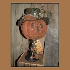 Primitive folkart pumpkin w mouse make do pattern- 109 Primitive Wood Crafts, Primitive Autumn, Primitive Pumpkin, Primitive Folk Art, Primitive Christmas, Primitive Patterns, Primitive Snowmen, Country Christmas, Christmas Christmas