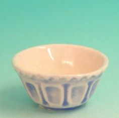 PASTRY BOWL BLUE WHITE SMALL