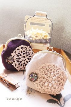 orange 布のがま口いっぱい Clutch Purse, Coin Purse, Doilies Crafts, Frame Purse, Leather Pouch, Handmade Bags, Crafts To Make, Purses And Bags, Handbags