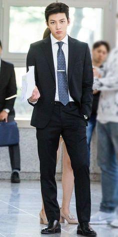 Suspicious Partner ❤❤ 지 창 욱 Ji Chang Wook ♡♡ that handsome and sexy look . Ji Chang Wook Smile, Ji Chang Wook Healer, Korean Star, Korean Men, Cute Korean, Suspicious Partner Kdrama, Ji Chang Wook Photoshoot, Oppa Gangnam Style, K Drama