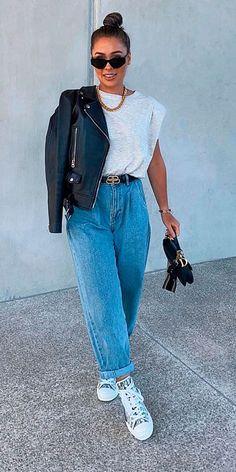 Mom Jeans Style, Mom Jeans Outfit, Jeans Outfit Summer, Summer Outfits, Denim Fashion, Look Fashion, Fashion Outfits, Curvy Outfits, Mode Outfits