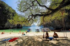 Where to go on holiday in January | http://www.weather2travel.com/holidays/where-to-go-on-holiday-in-january-for-the-best-hot-and-sunny-weather.php | Hong Island, Krabi - photo courtesy of Tourism Authority of Thailand