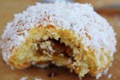 Elmalı Islak Kurabiye Tarifi - Yemek Tarifleri Easy Cake Recipes, Apple Recipes, Cookie Recipes, Dessert Recipes, Desserts, Sweet Cookies, Cake Cookies, Apple Cookies, Turkish Recipes