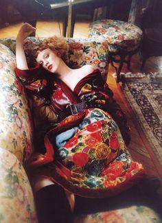 """Bohemian Rhapsody,"" Karen Elson by Ellen von Unwerth for Vogue (November '97), editing by Grace Coddington"
