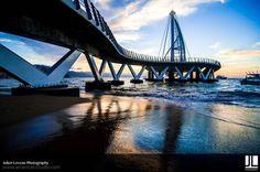 Los Muertos Pier, Photo by Julien Leveau, Photographer