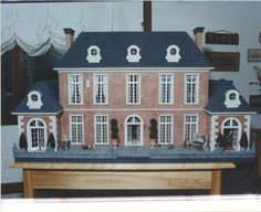 http://magicalminiatures.net/traditional-miniatures/french-country-manor/