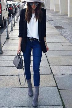 eeedbd5a89a57 fall-winter-outfit-ideas-casual-blue-skinny-jeans-fedora-ankle-boots
