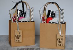 Kiss Me Kits for New Year's Eve! Fill a bag or basket with all of the things needed for the perfect midnight kiss! A drink to share, sparklers, gum & more! New Years Eve Kiss, New Years Eve Games, New Years Eve Outfits, New Year's Kiss, Kiss Me, Mini Kraft, Midnight Kisses, Perfect Kiss, Paper Confetti