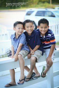 Hoang Family | Cypress, Texas - Karen McConaughey Photography  #familyphotos #family #cypressphotography #poses #photoshoot