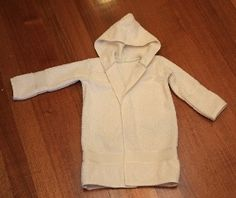 Tutorial: Make a toddler's bathrobe from two bath towels · Sew going to try this one (haha I crack myself up)