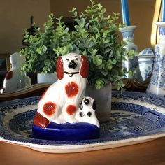 Staffordshire Dog, Antique Collectors, Chinoiserie, White Porcelain, Blue And White, Yellow, Pottery, Spaniels, Ceramics