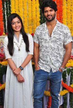 Vijay with rashmika Bollywood Couples, Bollywood Girls, Bollywood Saree, Indian Bollywood, Bollywood Actors, Bollywood Fashion, Actor Picture, Actor Photo, Indian Actresses