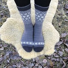 "Another winter without snow and green Christmas days inspired me to create ""Wishing for Snow Socks"". Knitting Charts, Knitting Socks, Hand Knitting, Knitting Patterns, Christmas Stocking Pattern, Christmas Knitting, Knitted Slippers, Wool Socks, Lots Of Socks"