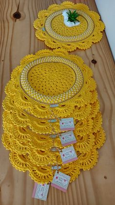 Col Crochet, Crochet Dolls, Crochet Clothes, Cushion Embroidery, Hand Embroidery, Diy Crafts To Sell, Diy Crafts For Kids, Free Crochet Doily Patterns, Diwali Diy
