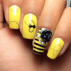 Bee nails using Nailed Kit nail art decals. Photo credit: Nail art by Jen. Fabulous Nails, Perfect Nails, Hot Nails, Hair And Nails, Fancy Nails, Pretty Nails, Acrylic Nail Designs, Nail Art Designs, Bumble Bee Nails