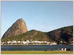 Fly me Away: Rio de Janeiro #Fly #me #Away: #RiodeJaneiro | #praia #montanhas #cultura #lazer #verão #praias #areais #fantásticos #FlyMeAway #Rio #de #Janeiro #CidadeMaravilhosa #Pão #de #Açúcar e #Enseada #de #Botafogo