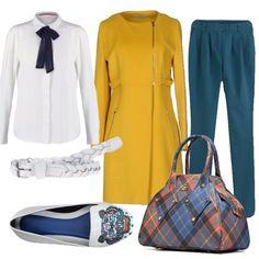 Romantico e chic lo stile di questo outfit. Pantalone a sigaretta con passanti per la contura bianca intrecciata. Camicetta con fiocco blu, cappotto lungo senza collo con zip e dettagli. La borsa capiente in fantasia scozzese e la ballerina con disegno dei colori dell'outfit.