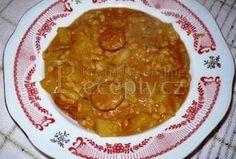 Peas in Hungarian way - Hrách na maďarský způsob - Recepty.cz - On-line kuchařka Czech Recipes, Ethnic Recipes, Soup Recipes, Cooking Recipes, Goulash, Palak Paneer, Stew, Quinoa, Bulgur