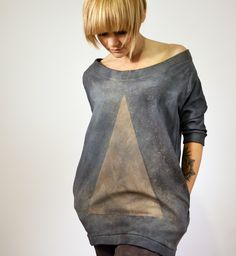 goshko triangle hand dyed Triangle, Sweatshirts, Sweaters, Clothes, Fashion, Outfits, Moda, Clothing, Fashion Styles
