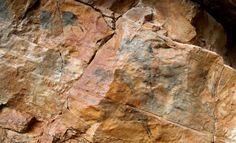 La conselleria de Cultura ha presentado este martes el nuevo hallazgo de arte rupestre levantino encontrado en el municipio de Vilafranca del Cid (Castellón), del que ya se habla c