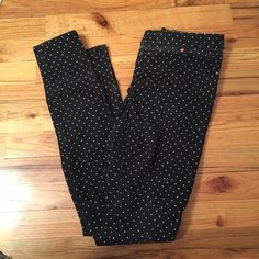 H&M jeggings Black and white polka dot with a natural fade. has back pockets. Worn 2x and cut tag off. H&M Pants