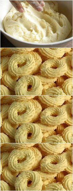 BISCOITINHO DE DE MAISENA COM COCO, SIMPLESMENTE DELICIOSO DERRETE NA BOCA!! Coconut Recipes, Sweets Recipes, Brownie Recipes, Cookie Recipes, Vegan Recipes, Desserts, Food Science, Brownie Cookies, Sweet Bread