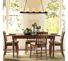 Tivoli table with Stella chairs. Perfect for a little breakfast nook.