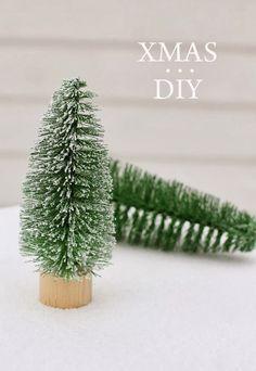 DIY Navidad: Mini árboles de navidad hechos con cepillos para botellas : x4duros.com