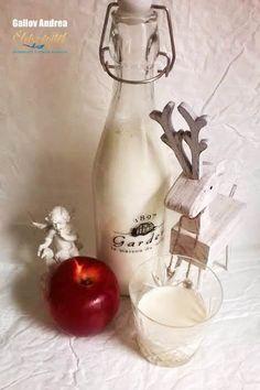Sült alma krémlikőr Cocktail Drinks, Alcoholic Drinks, Cocktails, Wine Decanter, Xmas, Christmas, Biscotti, Recipies, Food And Drink