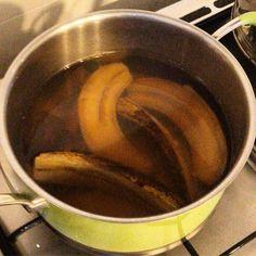 How Banana Tea Can Help With Sleeping Problems - Crafty Morning Holistic Remedies, Health Remedies, Natural Remedies, Banana Tea, Benefits Of Eating Bananas, Cake Mix Ingredients, Tea Light Snowman, Banana Contains, Gourmet