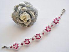 232b81fe2e55 Beaded Bracelet Pattern Tutorial Ruby Crystal Flower