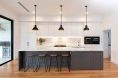 Open Plan Kitchen Living Room, Kitchen Dining Living, Kitchen Room Design, Modern Kitchen Design, Kitchen Layout, Home Decor Kitchen, Interior Design Kitchen, New Kitchen, Home Kitchens