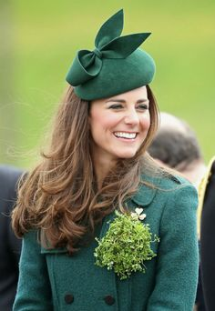 This is how Kate Middleton has been successful with her look in St. Patrick for 7 years - Kate Middleton: this is how she has been triumphing with her look in St. Patrick for 7 years – Ph - Kate Middleton 2017, Kate Middleton Prince William, Kate Middleton Photos, Prince William And Catherine, Kate Middleton Style, William Kate, Middleton Wedding, Hollywood Fashion, Royal Fashion