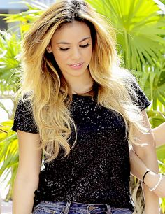 Dinah Jane (Dinah Jane Hansen) (June 22, 1997) American singer and songwriter, o.a. known from girlgroup Fifth Harmony.