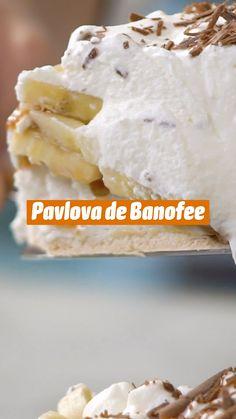 Pavlova, Fun Easy Recipes, Sweet Recipes, Tastemade Recipes, Types Of Desserts, Banoffee Pie, Tasty, Yummy Food, Time To Eat