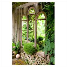 WOW! How Beautiful,Recyled window frames used as a garden feature