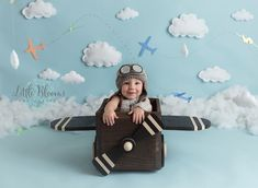 9 Ultimate Tips For A Newborn Baby Photoshoot With Spyne 1st Birthday Cake Smash, Baby Boy Birthday, 1st Birthday Parties, Planes Birthday, Boy Birthday Pictures, Hanging Clouds, Balloon Pictures, Airplane Party, Birthday Photography