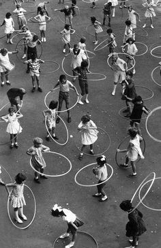 Dorcas Street State School in South Melbourne practising the hula hoop in Image: HWT archive. What life was like in Melbourne in the Black White Photos, Black And White Photography, Street Photography, Art Photography, Fitness Photography, Pin Up Art, Vintage Photographs, Vintage Images, Belle Photo