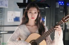 """Maybe Park Shin Hye isn't real like maybe she is just a dream for us. Lee Sung Kyung, Korean Drama Movies, Park Shin Hye, Hyun Bin, Girls Be Like, Pretty Girls, Korean Actresses, My Idol, Disney"