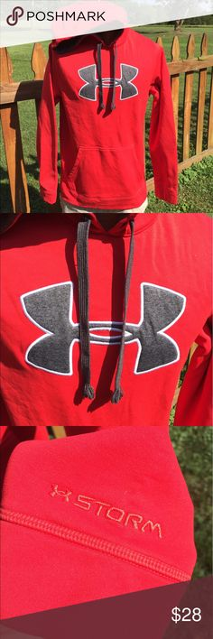 Under Armour Storm Mens Hoodie Size Medium Loose Size medium loose. Super gently preowned. Be sure to view the other items in our closet. We offer  women's, Mens and kids items in a variety of sizes. Bundle and save!! We love reasonable offers!! Thank you for viewing our item!! Under Armour Shirts Sweatshirts & Hoodies