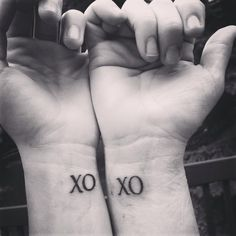 Mother daughter tattoos, hugs and kisses from eachother #mother #daughter #tattoo