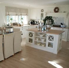 39 A Startling Fact about Inspiring French Cottage Kitchen Ideas Uncovered – homedecorsdesign Farmhouse Kitchen Decor, Home Decor Kitchen, Kitchen Interior, Interior Design Living Room, Home Kitchens, Living Room Designs, Kitchen Ideas, French Cottage Kitchens, Kitchen Layout