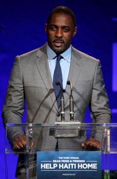 Giorgio Armani è ancora una volta insieme all'amico Sean Penn per sostenere J/P Haitian Relief Organization (J/P HRO)http://www.sfilate.it/216362/giorgio-armani-e-sean-penn-insieme-ad-unasta-per-haiti