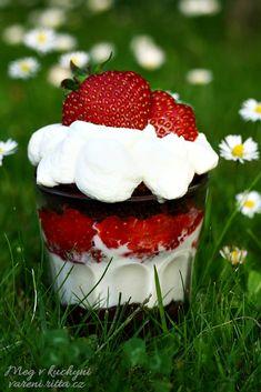 Panna Cotta, Cheesecake, Strawberry, Fruit, Ethnic Recipes, Desserts, Food, Cakes, Tailgate Desserts