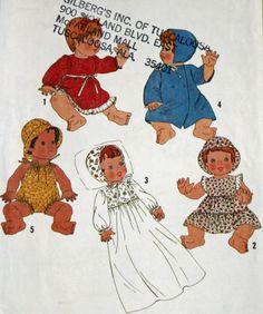 Vintage 1970s Sewing Pattern Simplicity 8817 Doll Wardrobe
