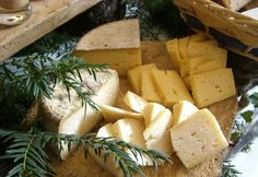 The culinary heritage of the French mountains. From the Alps to the Pyrenees, and the Jura to the Auvergne, soups, cheeses and charcuterie take pride of place!