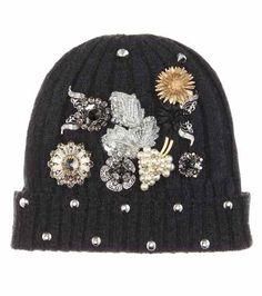 ca6b4e6a55b Men s Knitted Hat s · Berretto in cashmere con decorazione