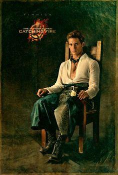 """El momento más esperado del día, llego el póster de Finnick.    Noviembre 2013 """"Los Juegos del Hambre: En Llamas Oficial"""" sólo en cines."""