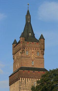 De Schwanenturm (Zwanentoren) van de Schwanenburg (Zwanenburcht) van Kleve (Kleef). Een landmark van de stad. http://www.kukullus.nl/index.php/nl/stadswandelingen-nl/stadswandelingen-in-duitsland/21-stadswandeling-kleef-kleve