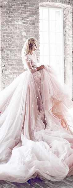 beautiful wedding dress * princess dress * dream for women * dream dress * Prinzessinnenkleid * Hochzeitskleid * Robe * Ballkleid